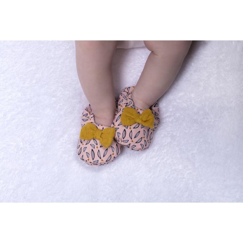 Chaussons avec nœud fille rose/blanc/moutarde - Chaussons & Chaussettes par BB&Co